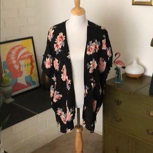 Angie Sweaters - Floral kimono